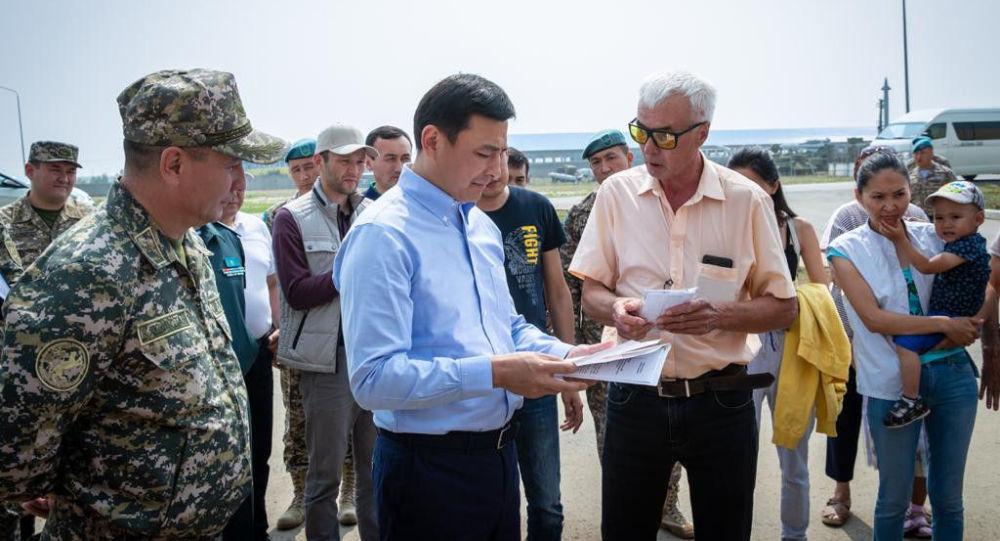 Аким Нур-Султана Алтай Кульгинов встретился с жителями окраин столицы