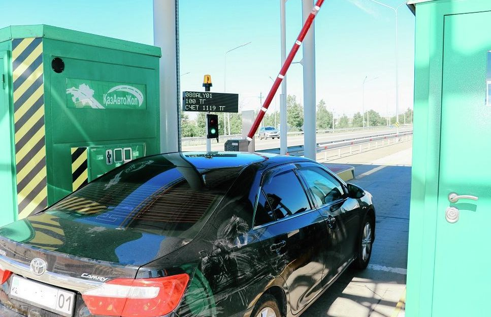 Для легковых автомашин, использующих предварительную оплату проезда, предусмотрена утвержденная ставка на платных участках страны