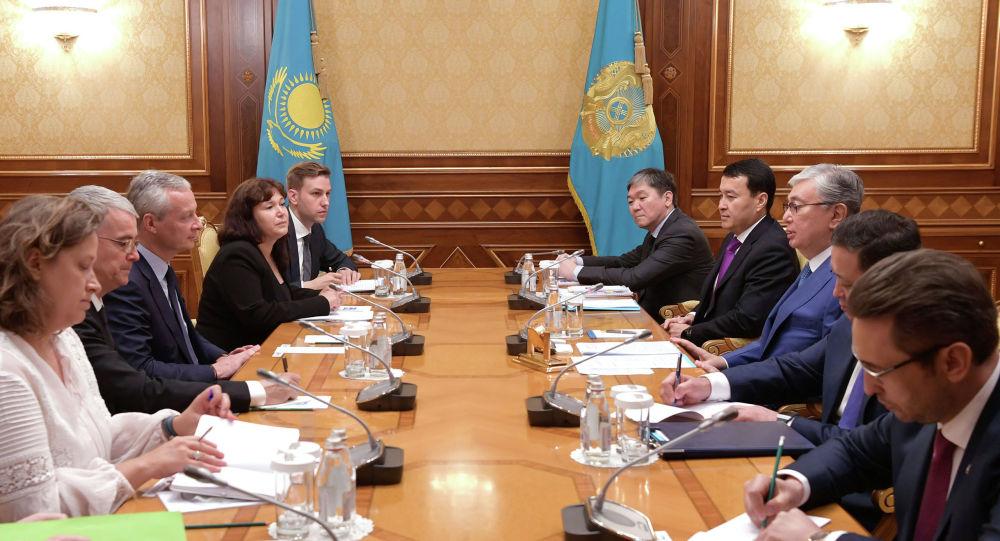 Президент Казахстана Касым-Жомарт Токаев принял министра экономики и финансов Франции Бруно Ле Мэра