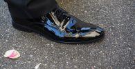 Ерлердің туфлиі, архивтегі сурет