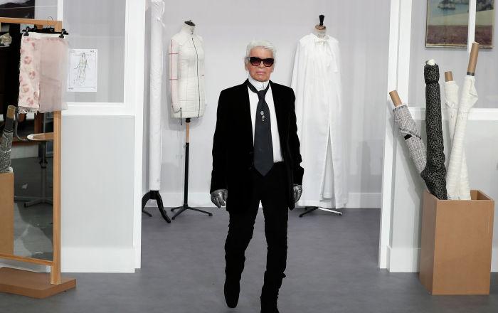 Карл Лагерфельд считал белую рубашку любимым предметом своего гардероба