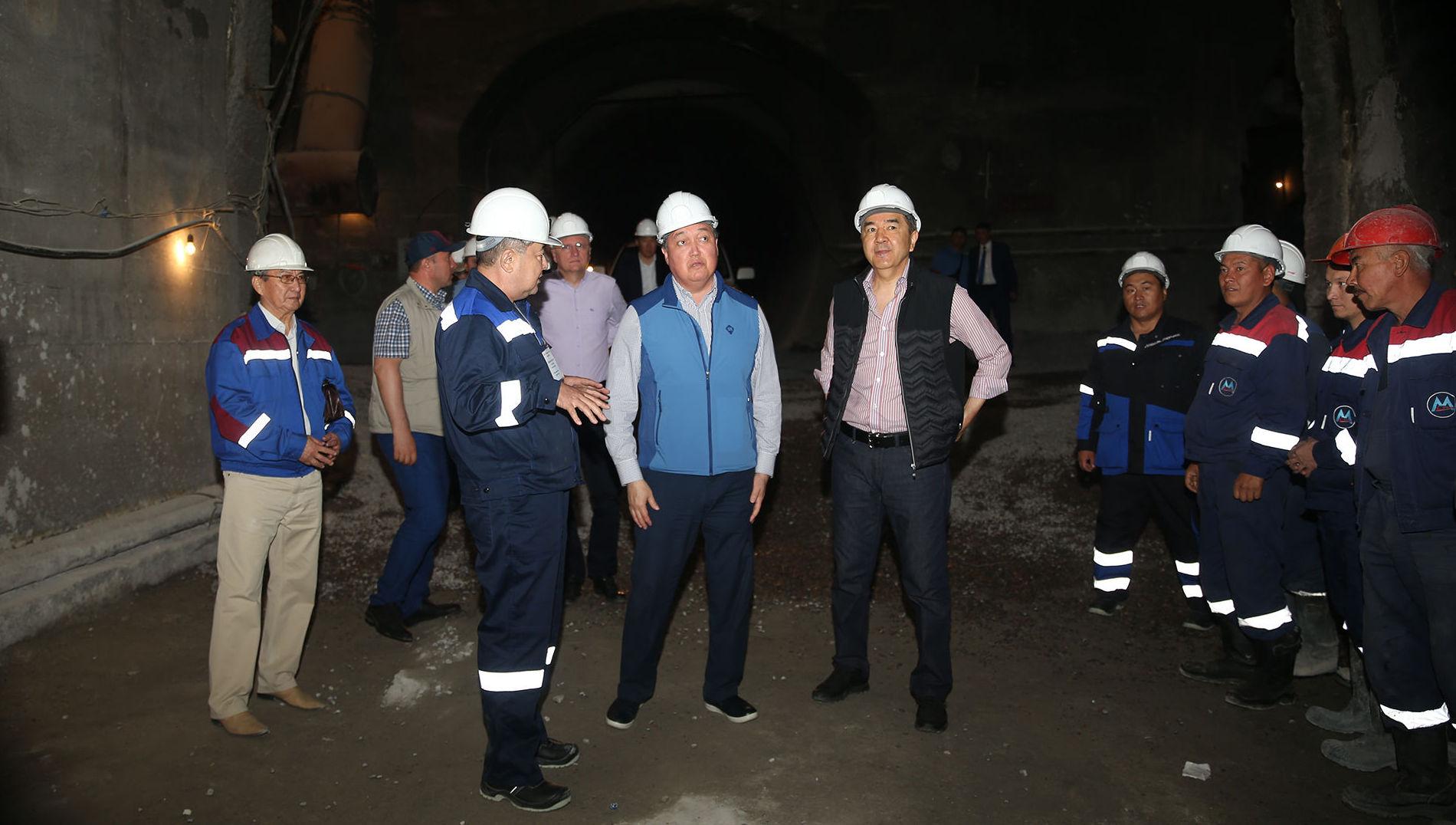 Аскар Мамин осмотрел ход строительства крупных инфраструктурных объектов в Алматы и области