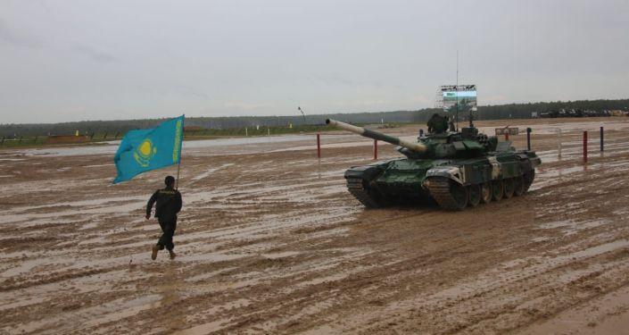 Танк биатлонына қатысқан қазақстандық әскерилер