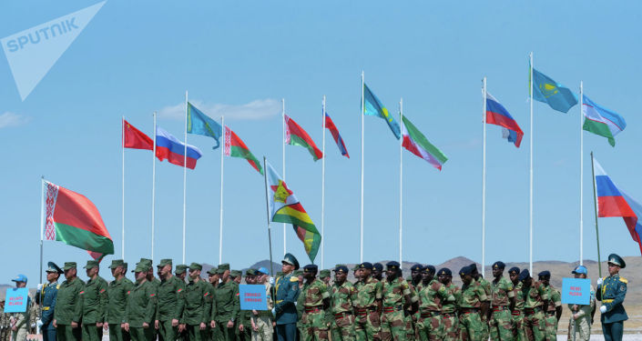 Участники части Армейских игр-2019 на церемонии закрытия в Казахстане