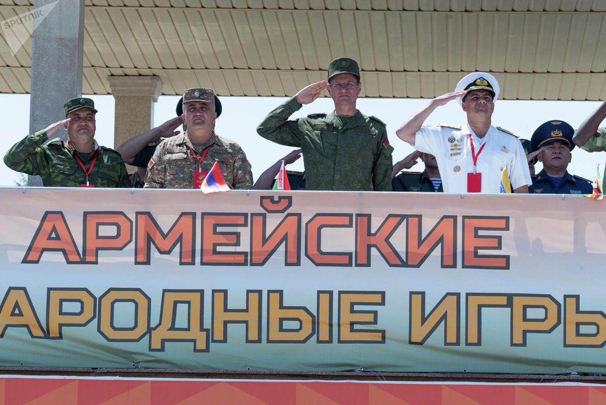 Ежегодно военные профессионалы из разных стран и с разных континентов приезжают в нашу страну, чтобы продемонстрировать свое мастерство на международных Армейских играх, и с каждым годом число команд-участниц неуклонно растет