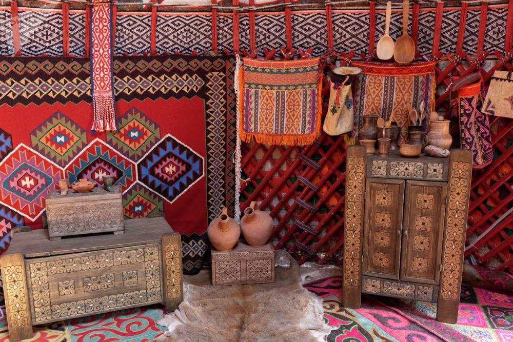 Фестиваль отражает быт казахского народа, его традиции, берущие свое начало у истоков формирования кочевого уклада жизни предков
