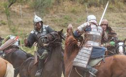Гости этноцентра смогли посмотреть захватывающие конные представления и военные парады