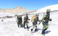 Қырғызстан тауларында құтқару операциясына кіріскен қазақстандық әскерилер