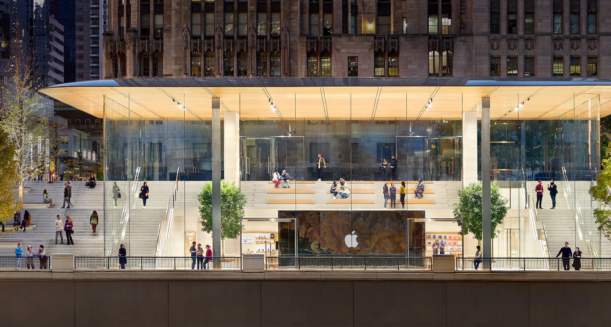 Магазин Apple на Michigan Avenue в Чикаго, США