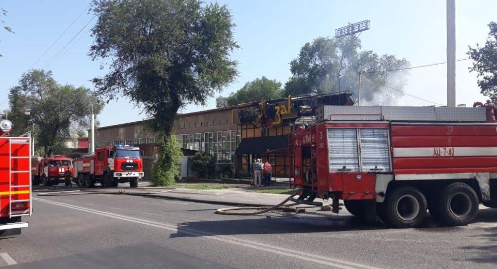Кафе загорелось по ул. Брусиловского