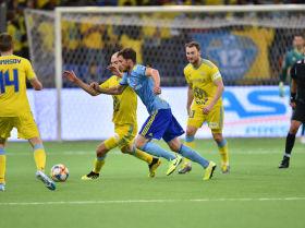 Один из ярких моментов игры на домашнем стадионе Астаны с БАТЭ в Нур-Султане