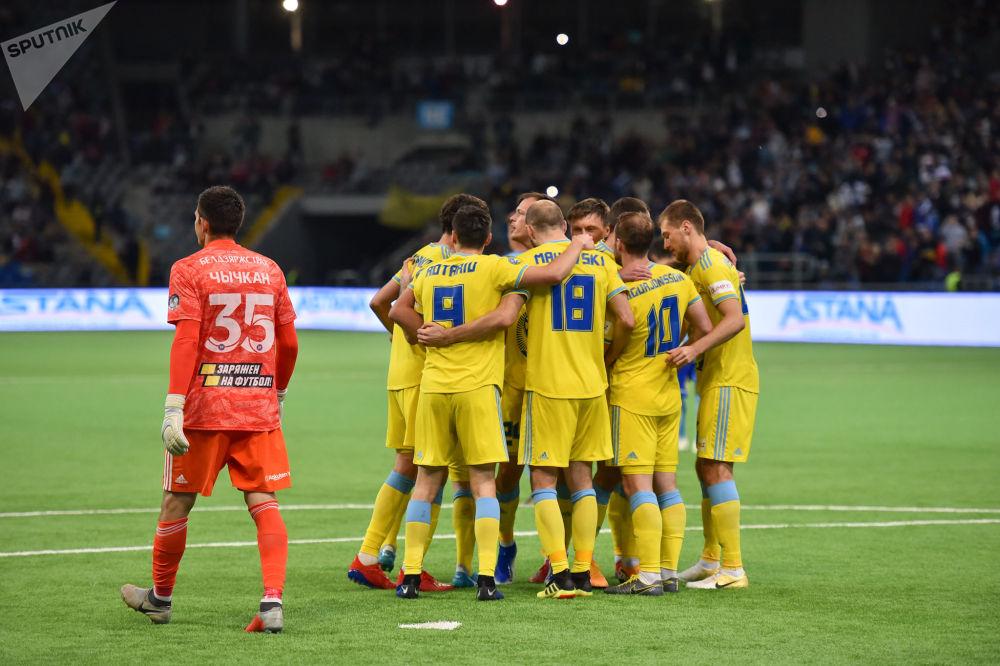 Игроки Астаны, обыгравшие белорусский БАТЭ в первом матче в рамках квалификации плей-офф Лиги Европы