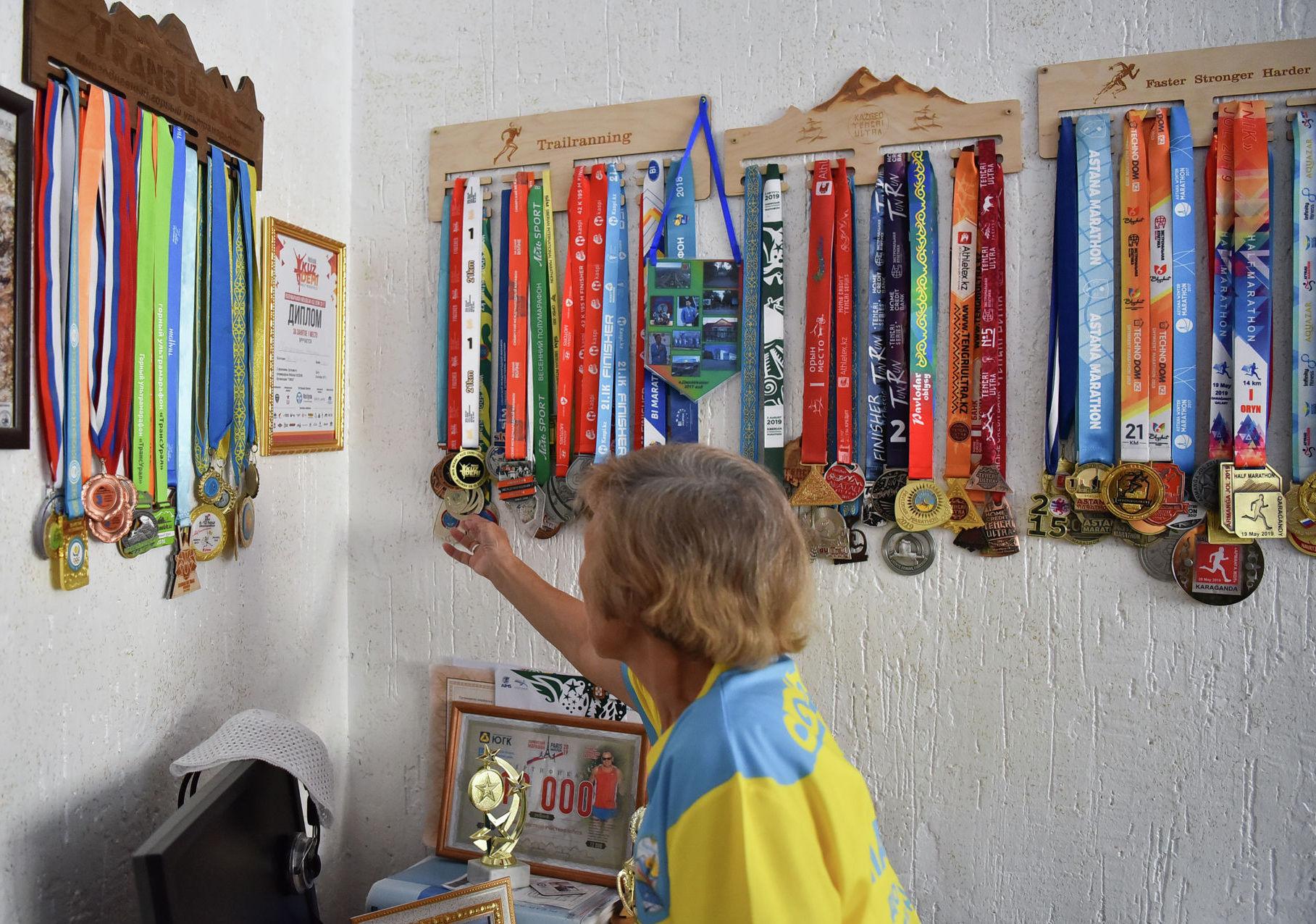С января 2012 года Амегульсин Мусылманова пробежала свыше ста марафонов