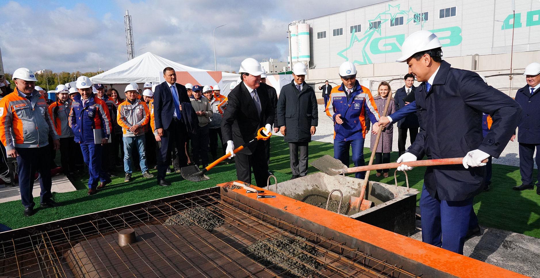 Аскар Мамин дал старт первому в Казахстане производству модульного домостроения