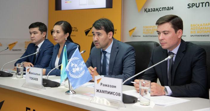 Актуальные инициативы в сфере энергоэффективности и энергосбережения обсудили участники брифинга в мультимедийном пресс-центре Sputnik Казахстан