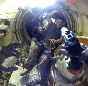 Робот Федор освоился на МКС