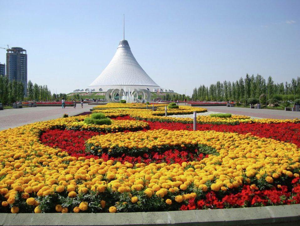 Ярмарка работает каждые выходные на площадке рядом с торгово-развлекательным центром «Хан Шатыром»