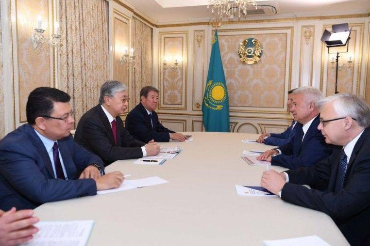 На встрече президента Казахстана Касым-Жомарта Токаева и президента российской нефтяной компании Лукойл Вагита Алекперова