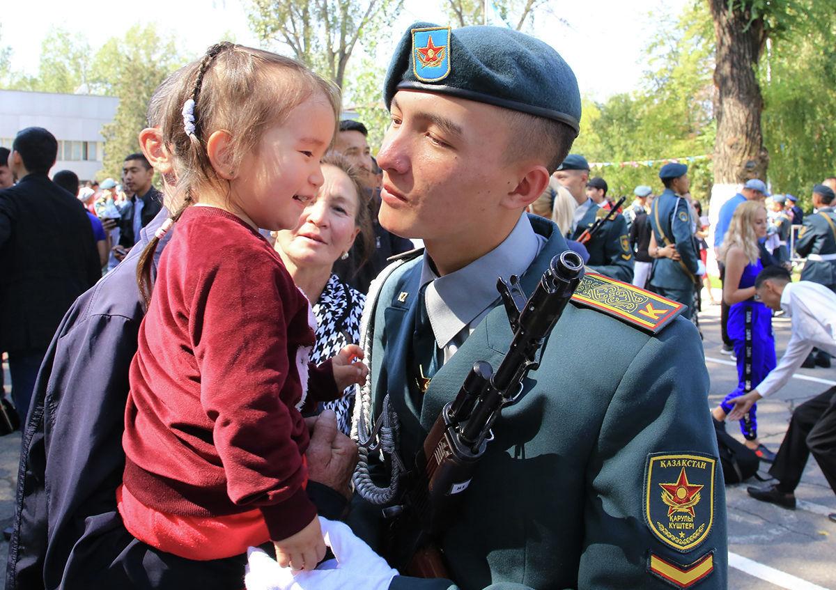 Родственники курсантов пришли на торжественную церемонию