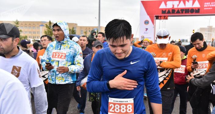 В этом году было две дистанции - 42 километра 195 метров и десять километров