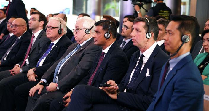 Участники Биржи финансового центра Астана