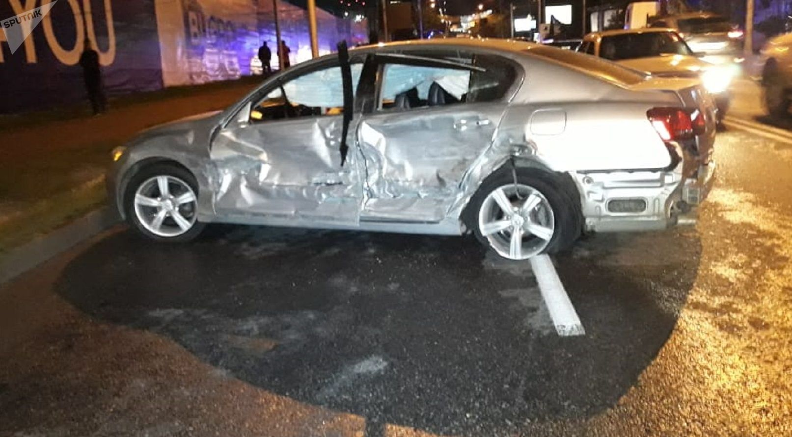 Toyota въехала в бок Lexus