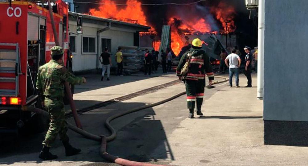 Пожар в мебельном цехе по улице Ратушного Жетысуского района