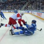 Противостояние было настолько серьезным и упорным, что периодически спортсмены обеих команд оказывались на льду