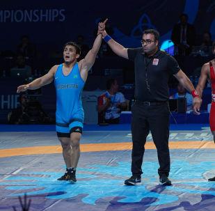 ЧМ по борьбе - FS (freestyle) - 65 кг - Пуния Баджранг (Индия) - Даулет Ниязбеков (Казахстан)