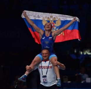ЧМ по борьбе - WW - 65 кг золото Ирина Коляденко (Украина) - Инна Тражукова (Россия)