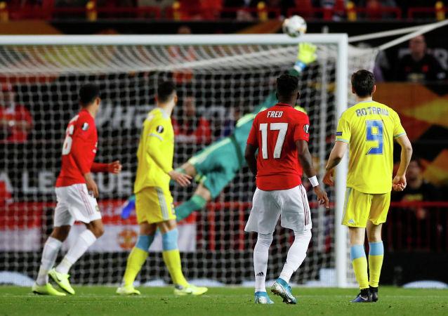 Футбол Футбол - Лига Европы - Группа L - Манчестер Юнайтед - Астана - Олд Траффорд, Манчестер , Великобритания - 19 сентября 2019 года Фред Манчестер Юнайтед наблюдает, как его выстрел проходит через штангу. Экшн-образы через Reuters / Jason Cairnduff