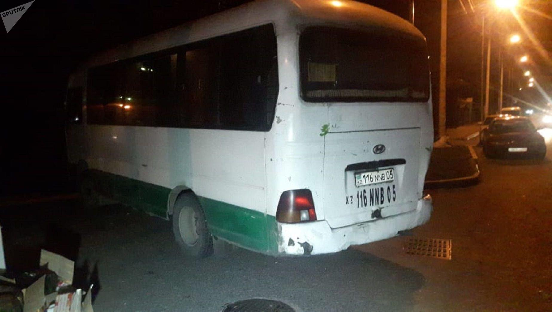 Авария с участием автобуса, манипулятора и легкового авто