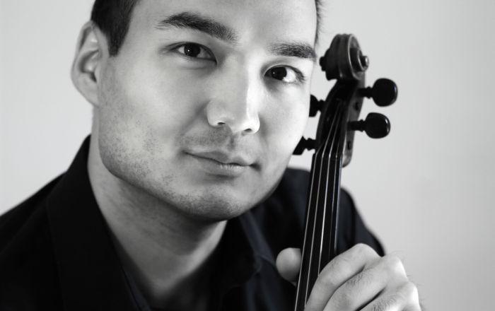 Казахстанский скрипач Ержан Кулибаев