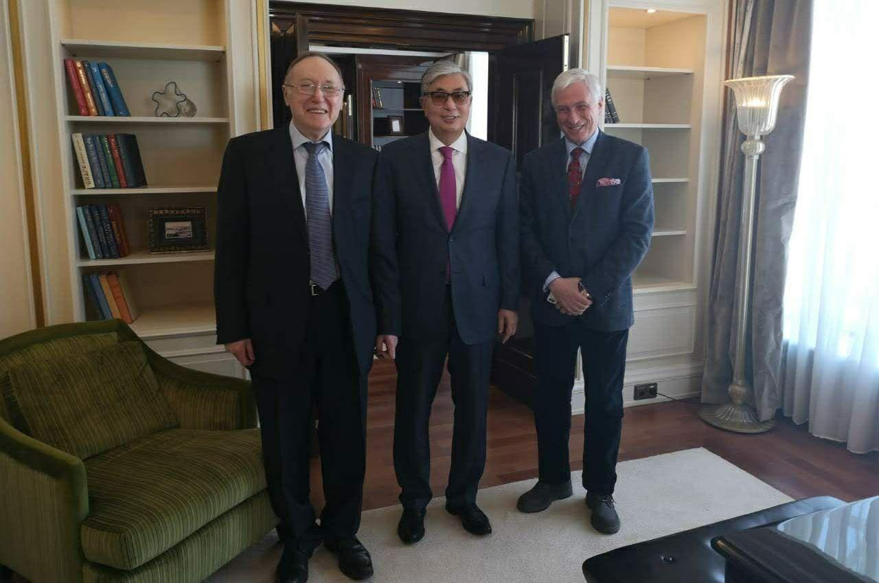 Встреча Токаева с Бажановым и журналистом Млечиным во время первого официального визита в Москву