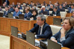 Депутаты мажилиса на пленарном заседании, архивное фото