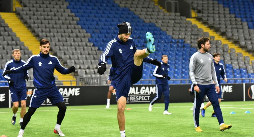 Игроки ФК Астана на тренировке перед матчем с Патризаном