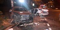 В массовом ДТП пострадали восемь человек, еще один пассажир погиб