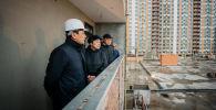 Аким столицы Алтай Кульгинов посетил строящийся многоэтажный жилой комплекс, предназначенный для работающей молодежи