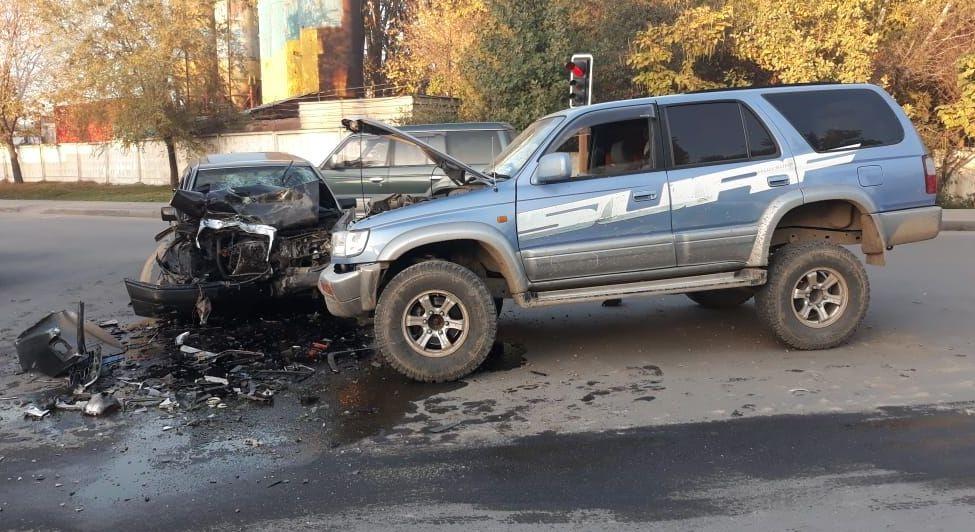 Обе машины сильно повреждены и восстановлению не подлежат