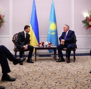 Елбасы Нурсултан Назарбаев на встрече с президентом Украины Владимиром Зеленским