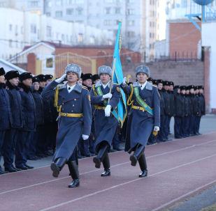 Демонстрация зимней формы столичными полицейскими ДП Нур-Султана