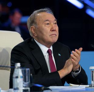 Нурсултан Назарбаев, архивное фото