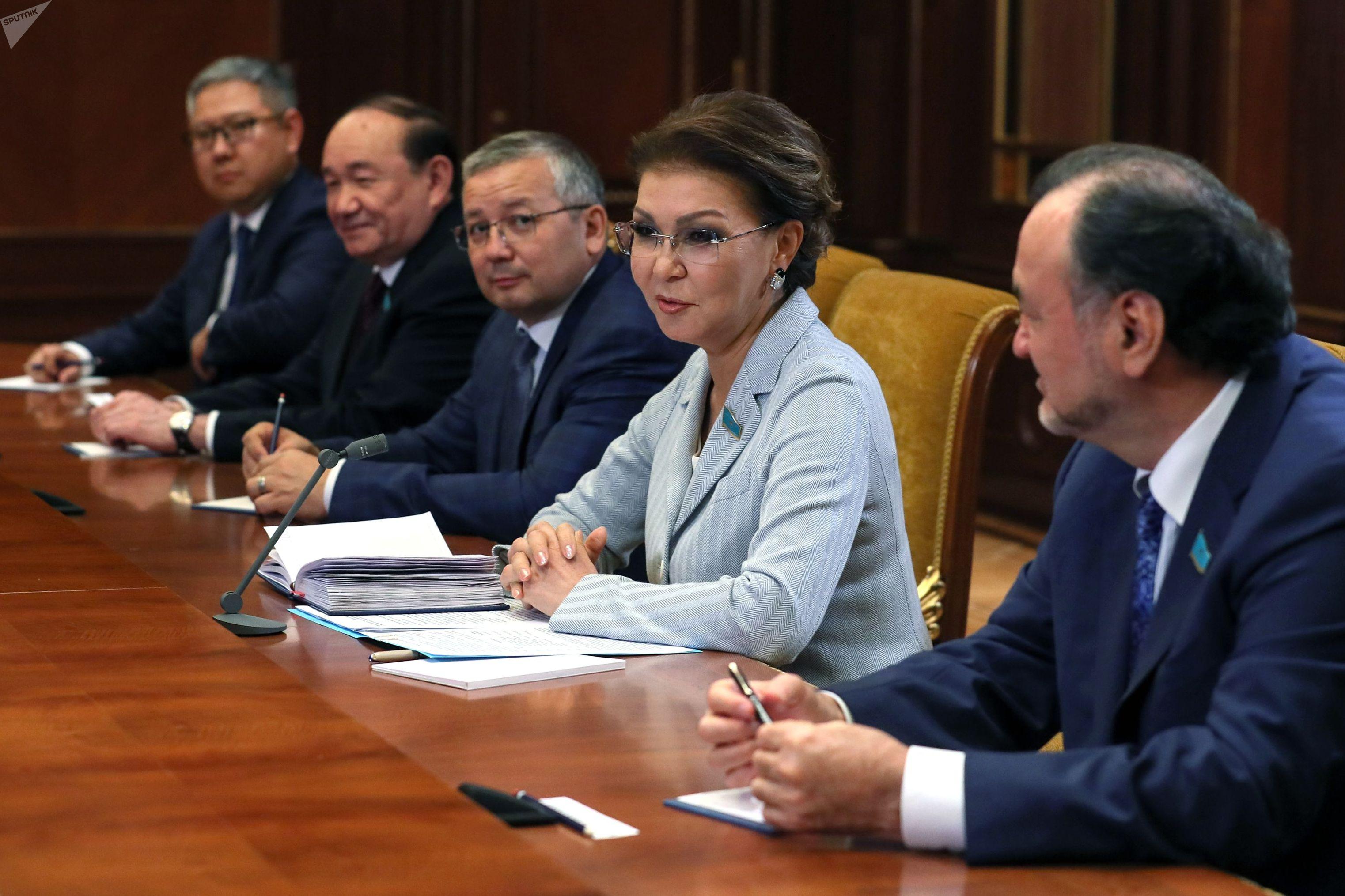 Встреча премьер-министра РФ Дмитрия Медведева с председателем сената парламента Казахстана Даригой Назарбаевой