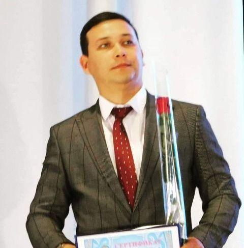 Учитель Ильдар Вахитов