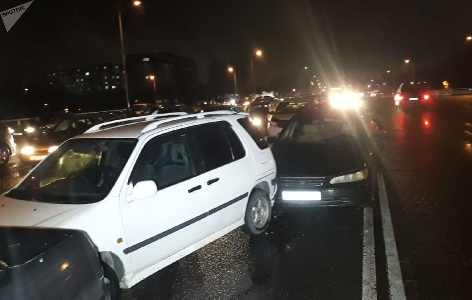 ДТП произошло на мосту развязки Саина - Райымбека