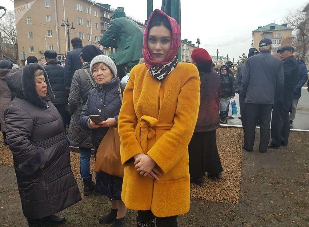 Дочь художника Жамиля Шакенова