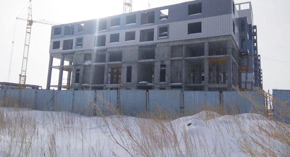 Один из блоков строящегося жилого комплекса Алтын Шар-2