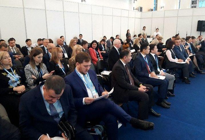 Представители двух стран участвуют в российско-казахстанском деловом совете