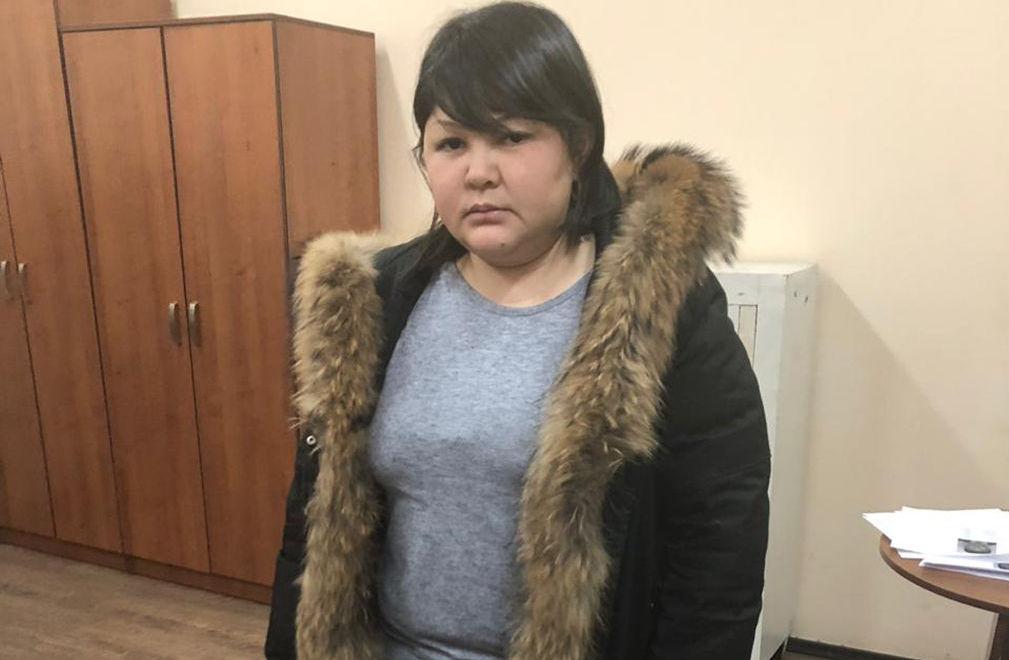 Полицейские задержали женщину по подозрению в мошенничестве