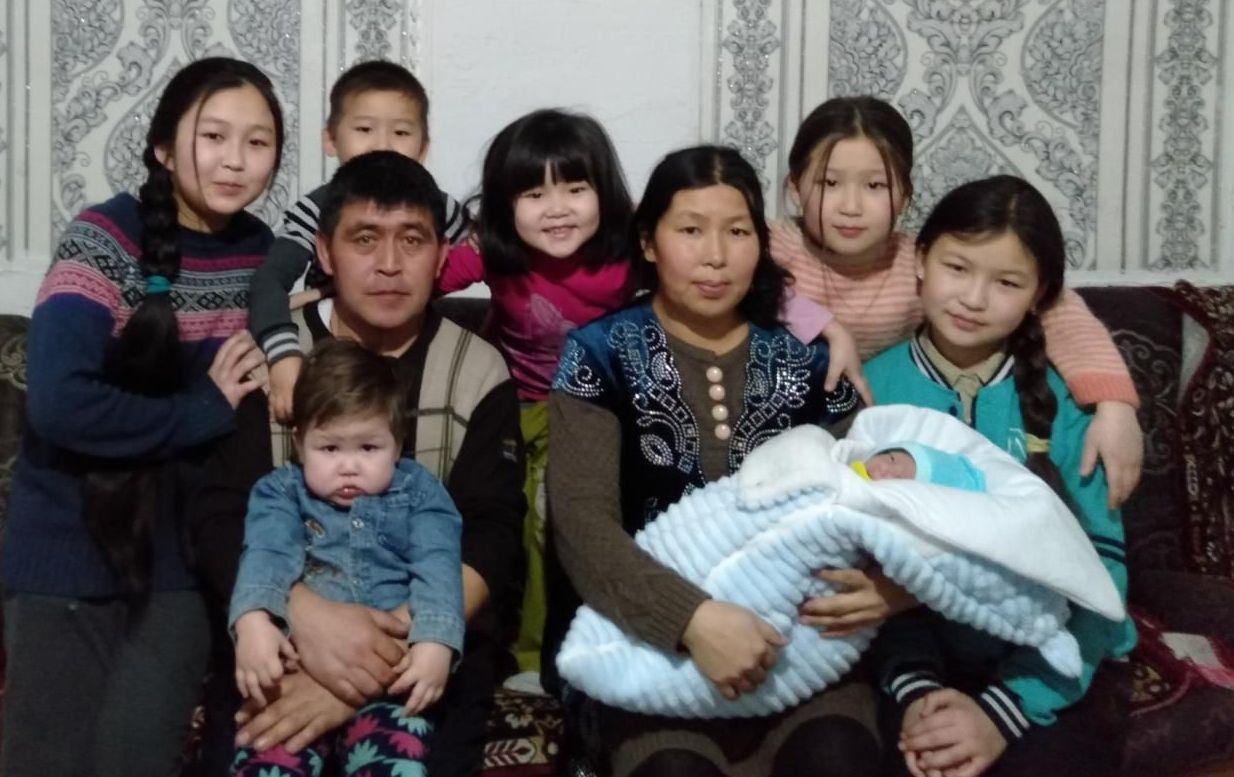 Семейство Хонай из Степногорска: мать семерых детей врачи чудом спасли после преждевременных родов